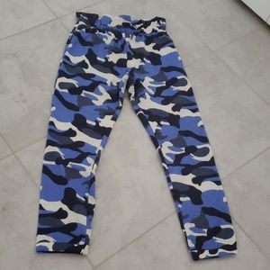 Fashion nova blue camo joggers L like new
